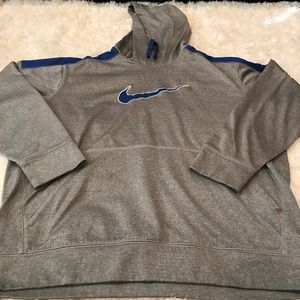 Men's Gray and Blue Nike Therma Fit sweatshirt.